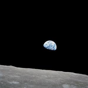 720px-NASA-Apollo8-Dec24-Earthrise
